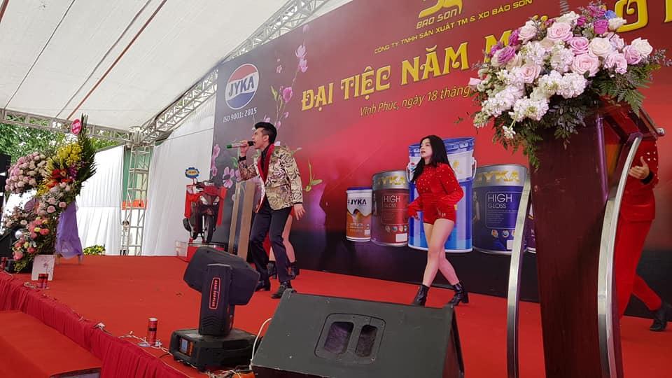 thiet-ke-san-khau-ngoai-troi